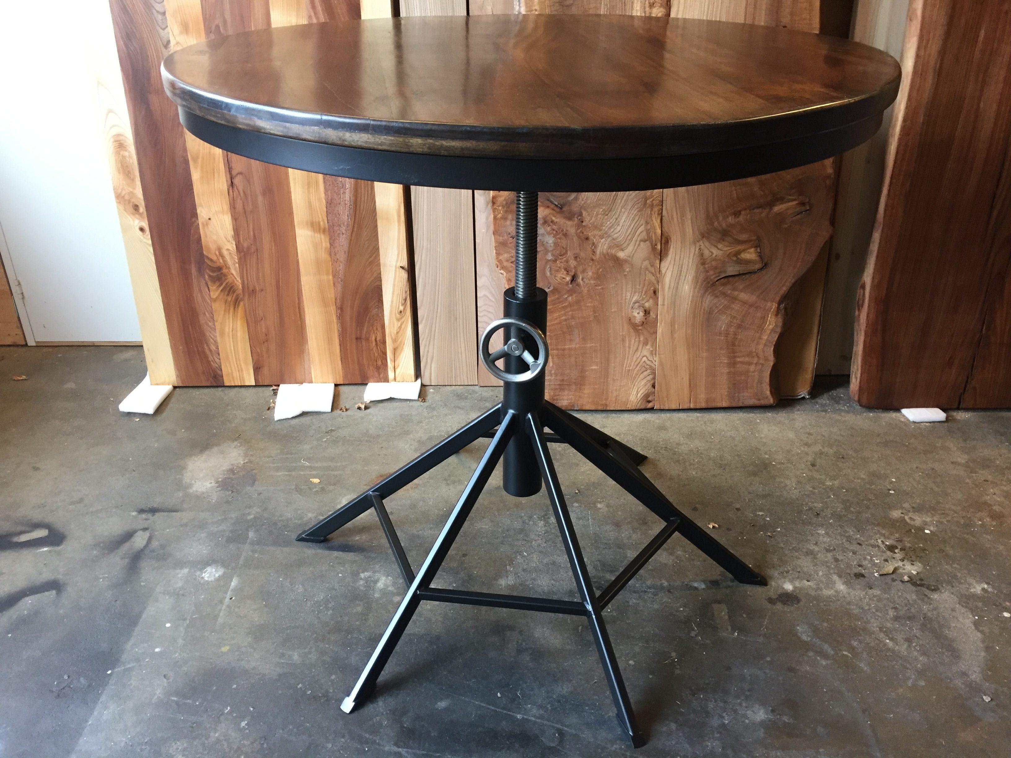 Höj/sänkbart matbord/barbord